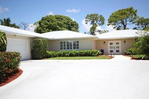 21 Palmetto Way, Tequesta, FL 33469