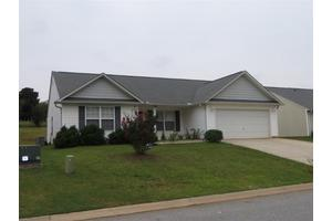 241 Waxberry Ct, Boiling Springs, SC 29316