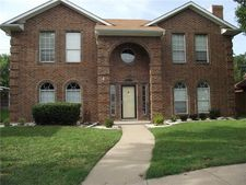 9405 Barton Creek Dr, Rowlett, TX 75089