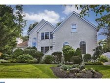 5 Red Maple Dr, Lafayette Hill, PA 19444