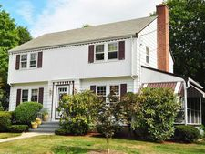 45 Marlin Dr, New Haven, CT 06515