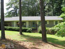 215 Harrell Cir, Barnesville, GA 30204