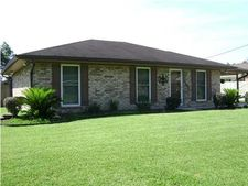 1508 Gloria St, Breaux Bridge, LA 70517