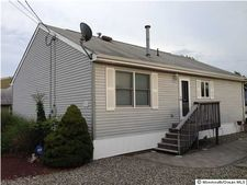 232 Pine Dr, Bayville, NJ 08721