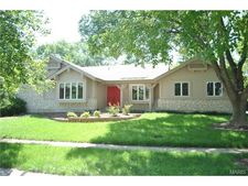 16310 Peppermill Dr, Wildwood, MO 63005