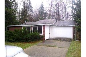 5397 Pine St, Gladwin, MI 48624