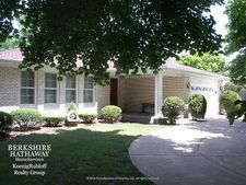 1812 E Euclid Ave, Mount Prospect, IL 60056