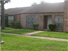 8614 Maplecrest Dr, Houston, TX 77099