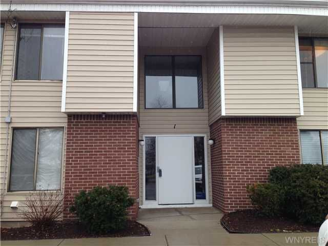 1 Southcreek Ct Unit D Amherst, NY 14051