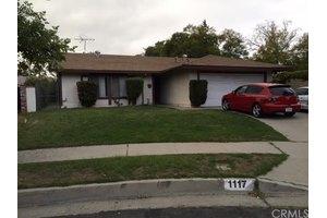 1117 Birch Ln, Pasadena, CA 91103