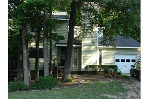 7701 Oak Canyon Ln, Charlotte, NC 28227