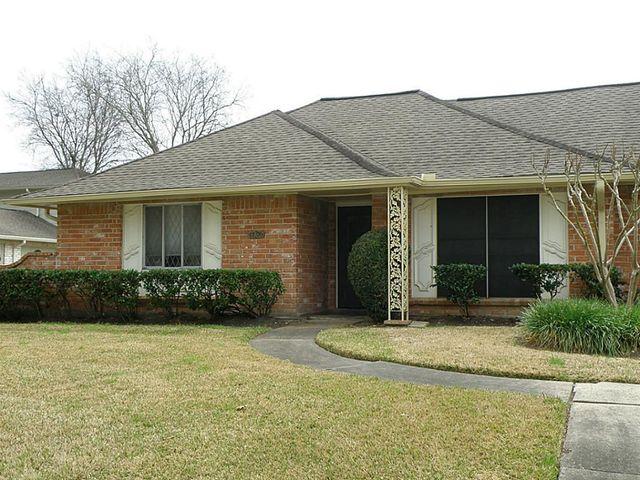 17106 Blackhawk Blvd, Friendswood, TX