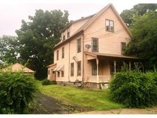 14 Meadow St, Ansonia, CT 06401