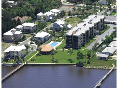 150 Se Four Winds Dr Apt 207, Stuart, FL