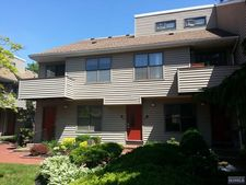 77 Liberty St Apt 24, Little Ferry, NJ 07643
