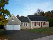 5 Willow Brook Dr, Cheshire, CT 06410