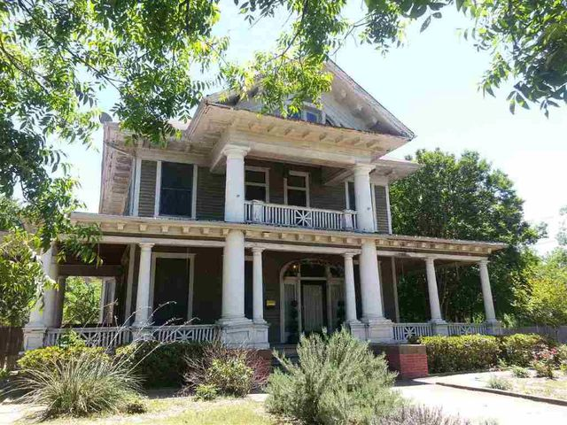 2420 colcord ave waco tx 76707 3 beds 2 baths home for Home builders waco tx