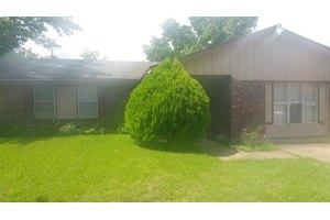 13252 Kings Mountain Dr, Balch Springs, TX 75180