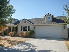 343 E Carpenter Ave, Reedley, CA 93654
