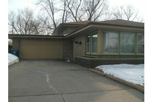 2648 45th St, Highland, IN 46322