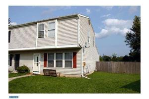 21 Farmhouse Ct, Gloucester Twp, NJ 08081