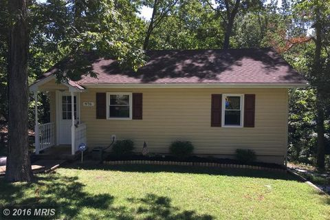 976 Eagle Pt, Lusby, MD 20657