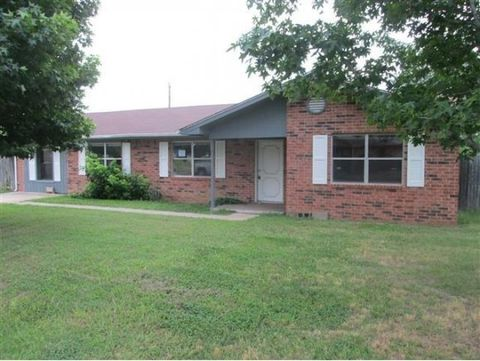 Photo of 408 N Kay Ave, Atoka, OK 74525