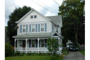 22 Rifton Pl, Walden, NY 12586