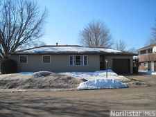 1612 11Th St E, Glencoe, MN 55336