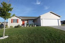 1045 Highland Ridge Dr, Manhattan, KS 66503