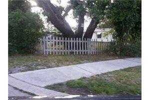 3401 Avenue F, Riviera Beach, FL 33404