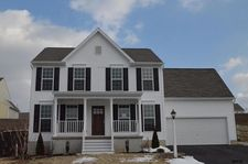 140 Ava Dr, Red Lion, PA 17356