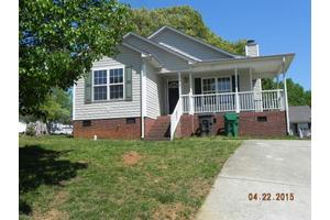 2917 Station Ct, High Point, NC 27260