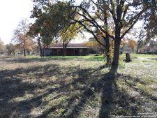 245 County Road 6816, Natalia, TX 78059