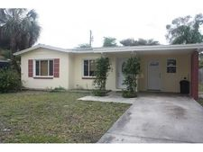 6750 Hibiscus Ave S, South Pasadena, FL 33707