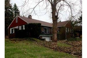 204 Hill St, Warren, PA 16365
