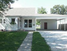 907 W Elm St, Taylorville, IL 62568