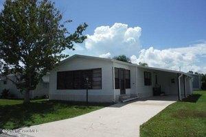 437 Puffin Dr, Barefoot Bay, FL 32976