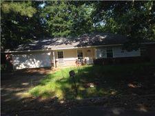 1528 Cedar Pine Dr, Jackson, MS 39212