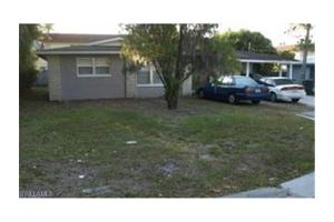 4655 Amherst Ct, Fort Myers, FL 33907