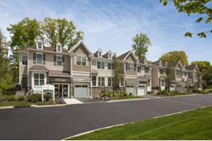 18 Pineview Dr # 203, Waldwick Boro, NJ 07463
