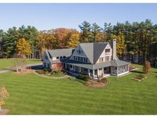 74 Saddle Trail Dr, Dover, NH 03820
