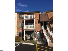 6922 Hilltop Dr Unit 162, Brookhaven, PA 19015