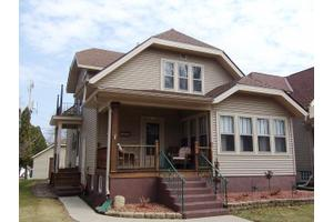 539 S 5th Ave, West Bend, WI 53095