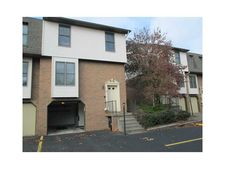 104 Ableview Dr Apt 13, Center Township But, PA 16001
