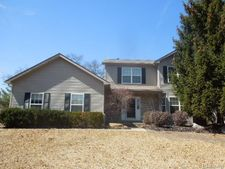1690 Commerce Pines Cir, Commerce Twp, MI 48390