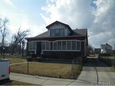 613 N 32nd St, East Saint Louis, IL 62225