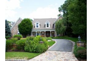 222 Stokes Farm Rd, Franklin Lakes Boro, NJ 07417