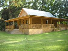 21 Camp Dr, Foxworth, MS 39483
