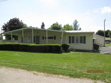 4 Walnut St, Bloomingburg, OH 43106